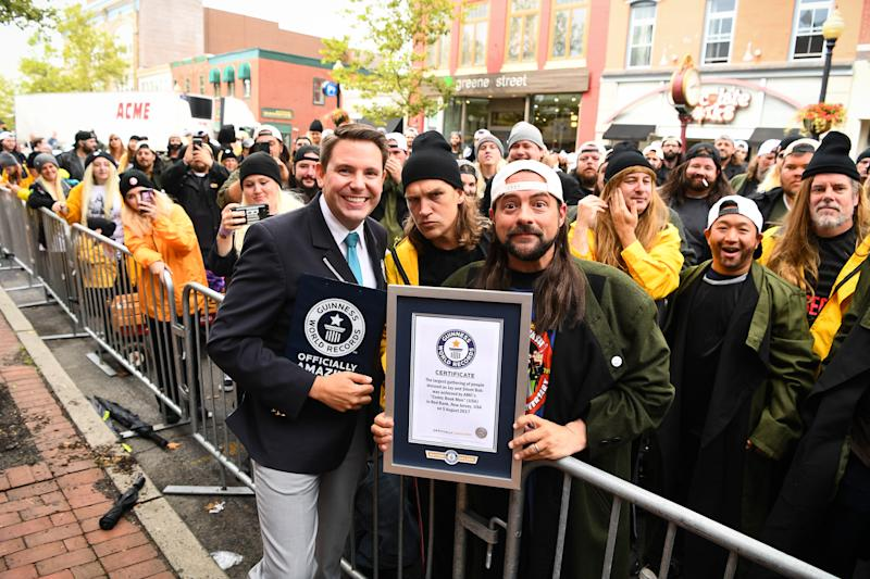 RED BANK, NJ - AUGUST 05: Actor Kevin Smith, Adjudicator Micheal Empric of Guiness Book of World Records and Actor Jason Mewes attend Jay And Silent Bob Cosplay Guinness Book Of World Records Event on August 5, 2017 in Red Bank, New Jersey. (Photo by Dave Kotinsky/Getty Images for AMC)