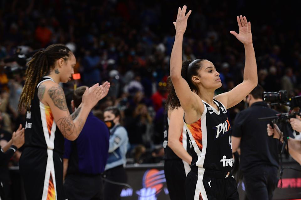 Brittney Griner, left, had a game-high 29 points and Skylar Diggins-Smith had 13 for the Mercury in their Game 2 win.