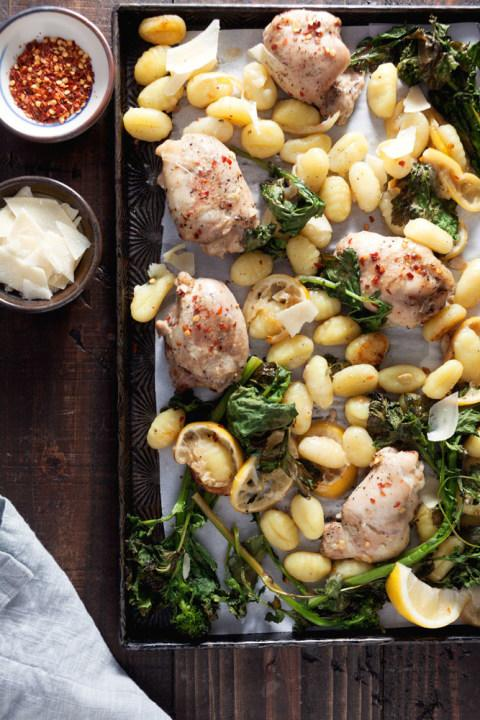 Pasta in the oven? Who knew! It's possible withthis sheet pan meal of chicken, gnocchi and broccoli rabe.
