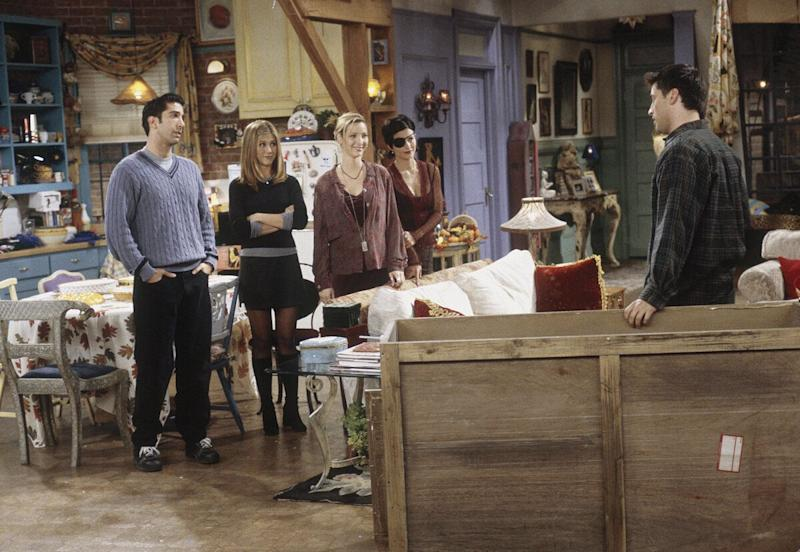 'The One with Chandler in a Box' Episode 8 -- Pictured: (l-r) David Schwimmer as Ross Geller, Jennifer Aniston as Rachel Greene, Lisa Kudrow as Phoebe Buffay, Courteney Cox as Monica Geller, Matt LeBlanc as Joey Tribbiani (Photo by Paul Drinkwater/NBC/NBCU Photo Bank via Getty Images)