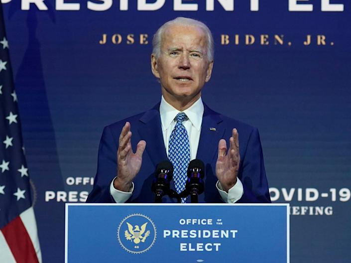 US election news – live: Biden popular vote lead up to 5m as Georgia recounts by hand after Trump plea