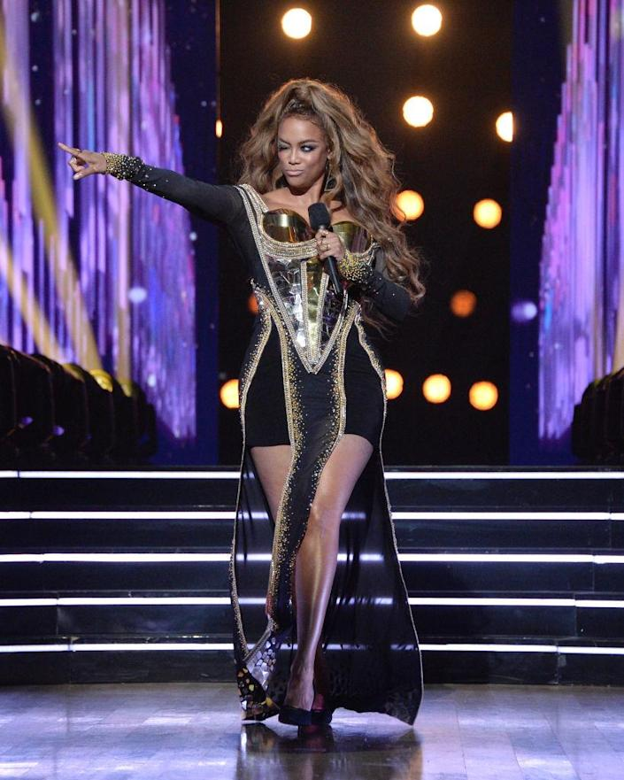 """Tyra Banks hosts """"Dancing With the Stars."""" (Photo: Eric McCandless/ABC via Getty Images)"""