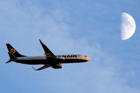 Ryanair to cut check-in charges