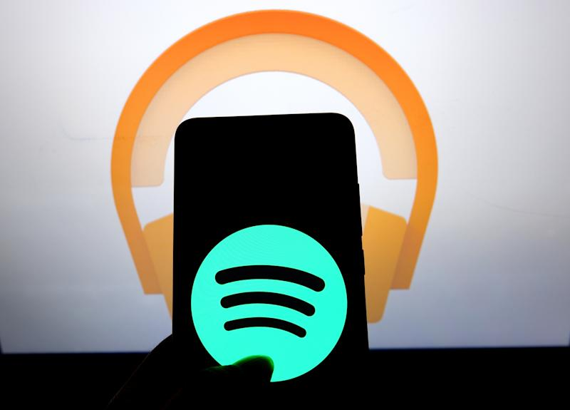 INDIA - 2019/08/06: In this photo illustration the popular audio streaming social media application Spotify logo seen displayed on a smartphone. (Photo Illustration by Avishek Das/SOPA Images/LightRocket via Getty Images)