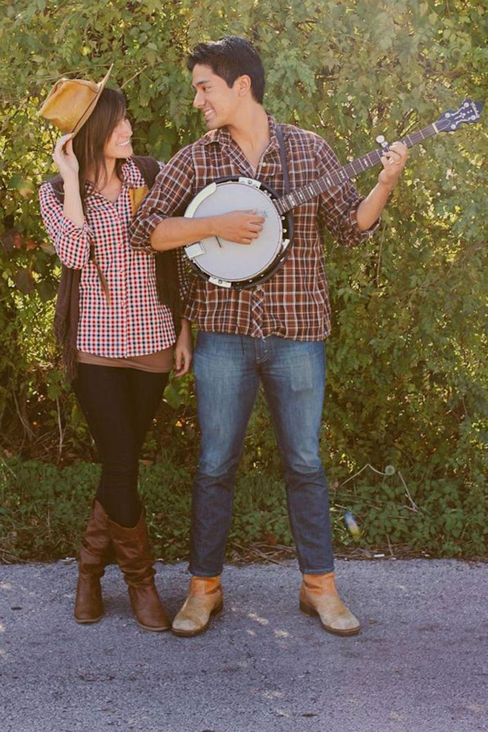 """<p>Y'all probably already own all the pieces for this cute last-minute couple's Halloween costume. But if not, they're easy to round up.</p><p><strong>Get the tutorial at <a href=""""http://abeautifulmess.com/2012/10/last-minute-costume-ideas-for-couples.html"""" rel=""""nofollow noopener"""" target=""""_blank"""" data-ylk=""""slk:A Beautiful Mess"""" class=""""link rapid-noclick-resp"""">A Beautiful Mess</a>. </strong></p><p><strong><a class=""""link rapid-noclick-resp"""" href=""""https://www.amazon.com/Classic-Crushable-Foldable-Packable-Gangster/dp/B071VJWZCC/?tag=syn-yahoo-20&ascsubtag=%5Bartid%7C10050.g.4616%5Bsrc%7Cyahoo-us"""" rel=""""nofollow noopener"""" target=""""_blank"""" data-ylk=""""slk:SHOP COWBOY HATS"""">SHOP COWBOY HATS</a></strong></p>"""