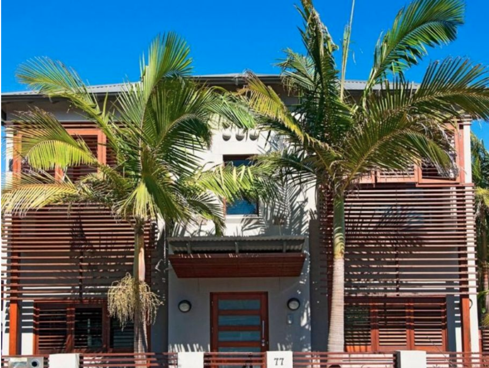 'The Block' 2004 renovated apartment block in Manly. Photo: Nine Network
