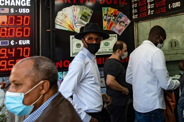 An exchange office in Istanbul last month as the Turkish lira plunged further. Economists estimate that Turkey has burned through more than $100 billion in a wasted effort to prop up the lira since the start of last year.