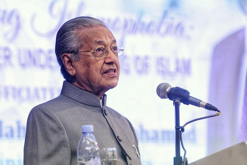 Bukit Gelugor division chief Datuk Omar Faudzar said that Dr Mahathir (pic) had always tried to remove those who he disagreed with or who do not agree with him which includes the latter's bosses and deputies. — Picture by Ahmad Zamzahuri