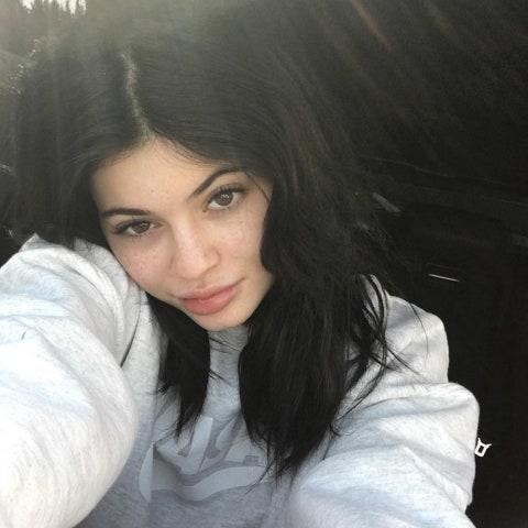 """Prolific selfie taker Jenner rarely goes barefaced, but <a href=""""http://www.glamour.com/story/kylie-jenner-no-makeup-selfie-snapchat?mbid=synd_yahoo_rss"""" rel=""""nofollow noopener"""" target=""""_blank"""" data-ylk=""""slk:we enjoyed this fleeting glimpse"""" class=""""link rapid-noclick-resp"""">we enjoyed this fleeting glimpse</a> she gave us on Snapchat."""