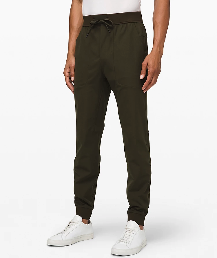 """<p><strong>Lululemon</strong></p><p>lululemon.com</p><p><strong>$128.00</strong></p><p><a href=""""https://go.redirectingat.com?id=74968X1596630&url=https%3A%2F%2Fshop.lululemon.com%2Fp%2Fmens-travel-essentials%2FAbc-Jogger%2F_%2Fprod8530240&sref=https%3A%2F%2Fwww.seventeen.com%2Flife%2Ffriends-family%2Fg1088%2Fholiday-gifts-for-dad%2F"""" rel=""""nofollow noopener"""" target=""""_blank"""" data-ylk=""""slk:Shop Now"""" class=""""link rapid-noclick-resp"""">Shop Now</a></p><p>He's going to be dreaming of these pants while wearing his work suit. </p>"""