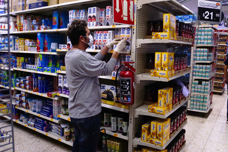CIUDAD DE MEXICO, MEXICO - MARCH 20: Customer buys cleaning products as a preventive measurement against the spread of Coronavirus on March 20, 2020 in Mexico City, Mexico. As the COVID-19 pandemic spreads, the Mexican government confirmed this morning 164 positive cases and 1 deceased. (Photo by Jaime Lopez/Jam Media/Getty Images)
