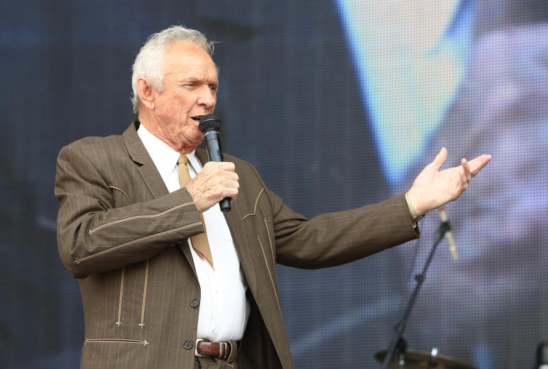 Mel Tillis, Longtime Country Singer, Dies at 85