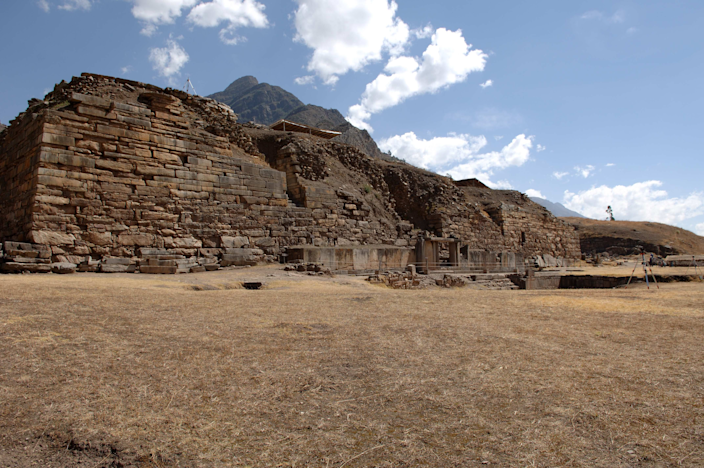 <strong>Chavín de Huántar</strong>, a Pre-Incan religious center, is home to massive temples with subterranean galleries, courts, and sunken plazas.