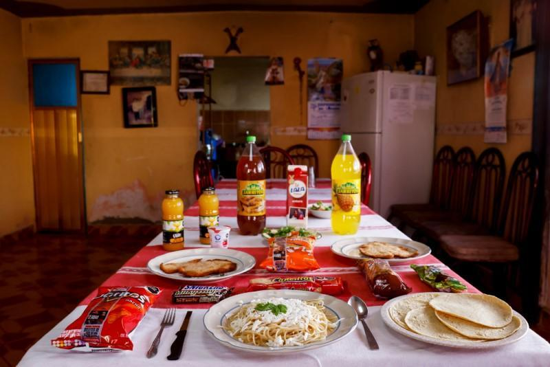 The Wider Image: Temptation everywhere: Mexican children struggle with obesity