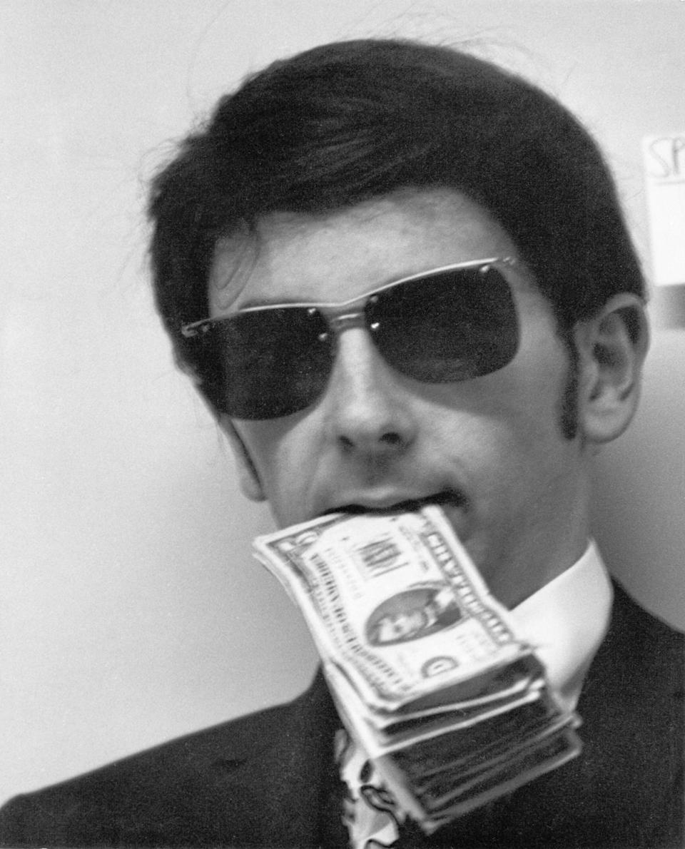 LOS ANGELES, CA - CIRCA 1965: Music Producer Phil Spector poses during photo session in Los Angeles, California, circa 1965.(Photo by Barry Oliver/Michael Ochs Archives/Getty Images)