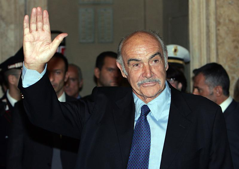 Actor Sean Connery waves at the end of a ceremony during which he received the Il Campidoglio award at Rome's Capitol Hill October 14, 2006. Connery received the award in honour of his career. REUTERS/Dario Pignatelli (ITALY)
