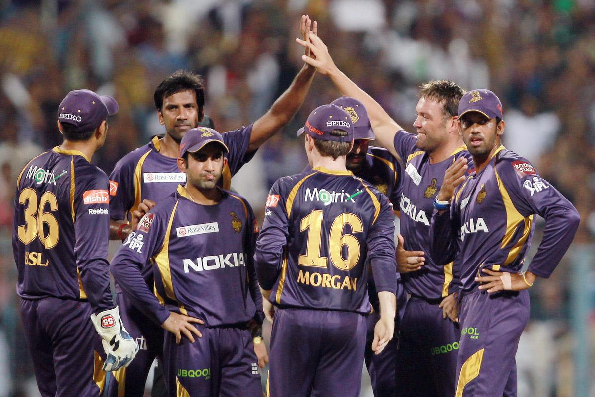 Jacques Kallis celebrates the wicket of Mandeep Singh with his teammates during match 35 of the Pepsi Indian Premier League between The Kolkata Knight Riders and the Kings XI Punjab held at the Eden Gardens Stadium in Kolkata on the 26th April 2013. (BCCI)