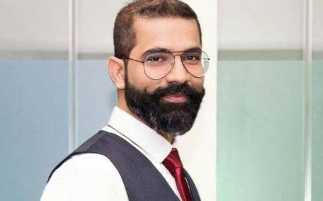 Clicked selfie with her, never gave massage or chatted: TVF's Arunabh Kumar to cops