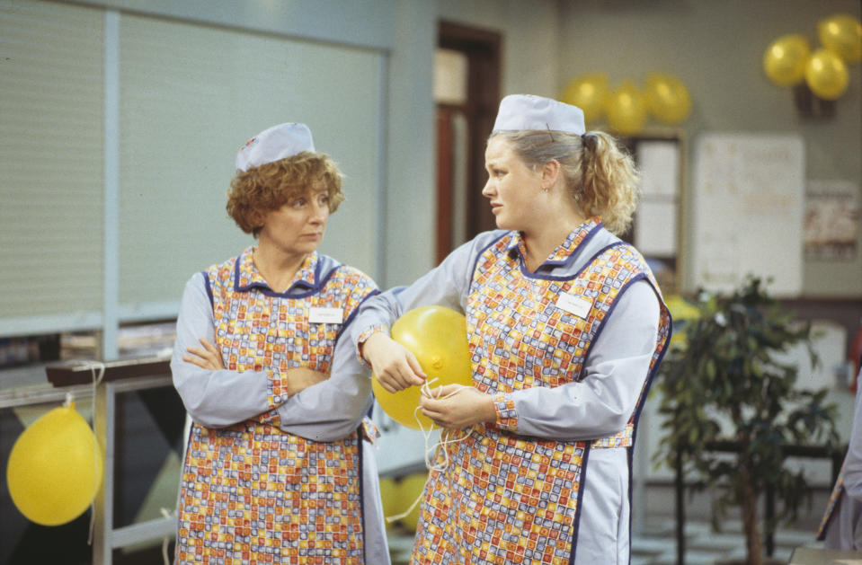 Actresses Victoria Wood (left) and Maxine Peake in a scene from episode 'Moods' of the BBC sitcom 'Dinnerladies', July 25th 1998. (Photo by Don Smith/Radio Times/Getty Images)