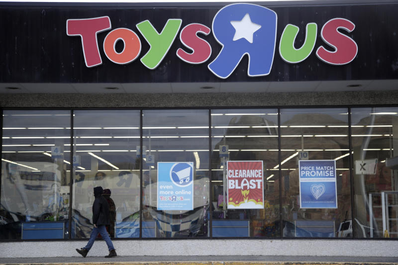 Toys 'R' Us Makes Comeback With New High-Tech Store — Geoffrey Foreva
