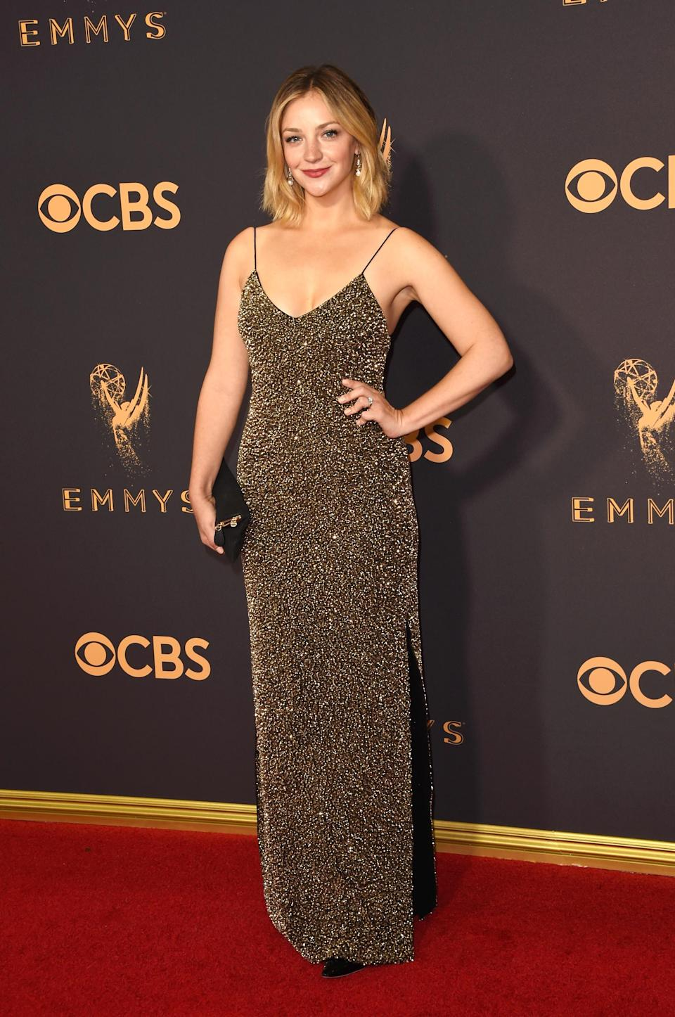 <p>Abby Elliott attends the 69th Primetime Emmy Awards on Sept. 17, 2017.<br> (Photo: Getty Images) </p>