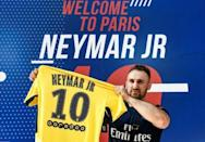 Neymar arrives in Paris promising glory for PSG