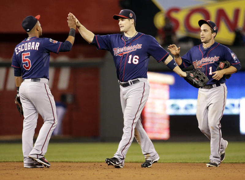 Gibson pitches Twins to 2-1 victory over Royals