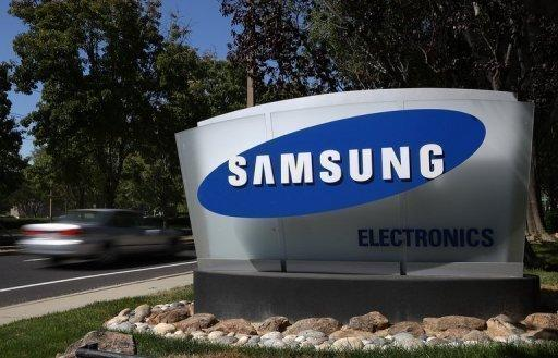 Apple, Samsung lawyers spar in court over patents