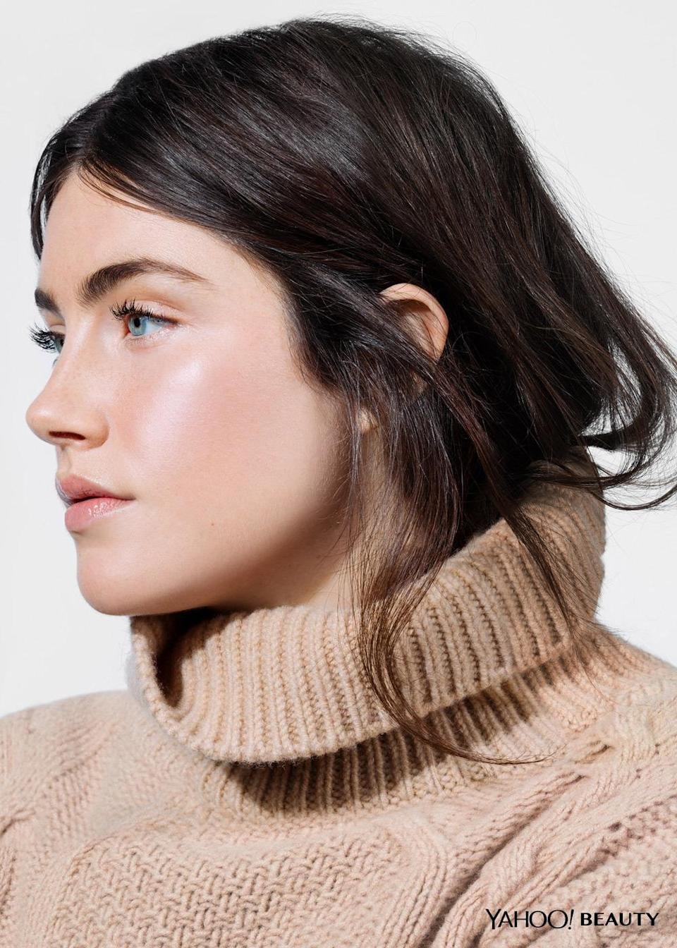 """<p>From powders to creams, here are our favorite products for getting a glow despite the grey skies. <i>(Photo: <a href=""""http://www.benritter.com/"""" rel=""""nofollow noopener"""" target=""""_blank"""" data-ylk=""""slk:Ben Ritter"""" class=""""link rapid-noclick-resp"""">Ben Ritter</a> / Makeup: Bobbi Brown / Hair: <a href=""""http://www.sarahlaird.com/artist/herve/"""" rel=""""nofollow noopener"""" target=""""_blank"""" data-ylk=""""slk:Hervé"""" class=""""link rapid-noclick-resp"""">Hervé</a> / Model: <a href=""""https://www.instagram.com/annaspeckhart/?hl=en"""" rel=""""nofollow noopener"""" target=""""_blank"""" data-ylk=""""slk:Anna Speckhart"""" class=""""link rapid-noclick-resp"""">Anna Speckhart</a> / Sweater: <a href=""""http://www.stevenalan.com/ELIZA-TURTLENECK/H15_H1_WSW0147.html?dwvar_H15__H1__WSW0147_color=A239#start=80"""" rel=""""nofollow noopener"""" target=""""_blank"""" data-ylk=""""slk:Steven Alan"""" class=""""link rapid-noclick-resp"""">Steven Alan</a>, $375)</i><br></p>"""