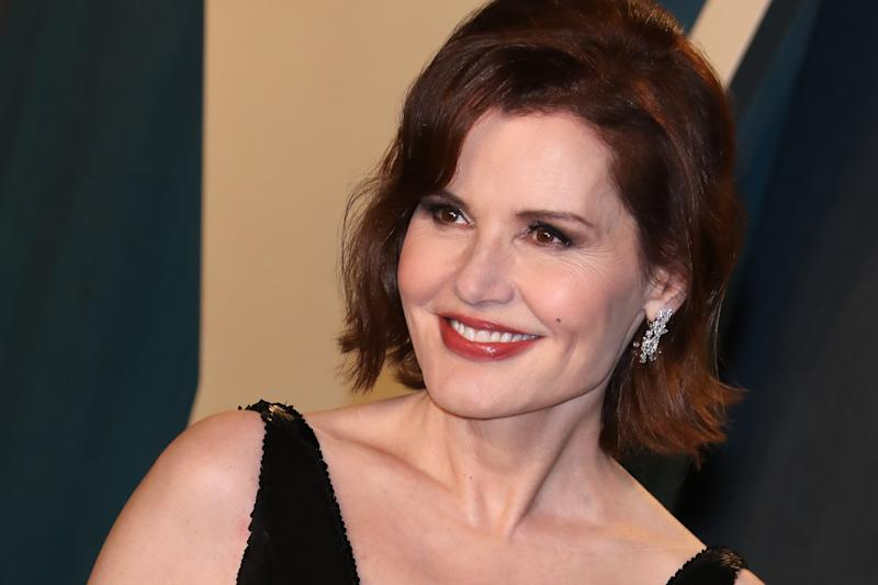 BEVERLY HILLS, CALIFORNIA - FEBRUARY 09: Geena Davis attends the 2020 Vanity Fair Oscar Party at Wallis Annenberg Center for the Performing Arts on February 09, 2020 in Beverly Hills, California. (Photo by Toni Anne Barson/WireImage)