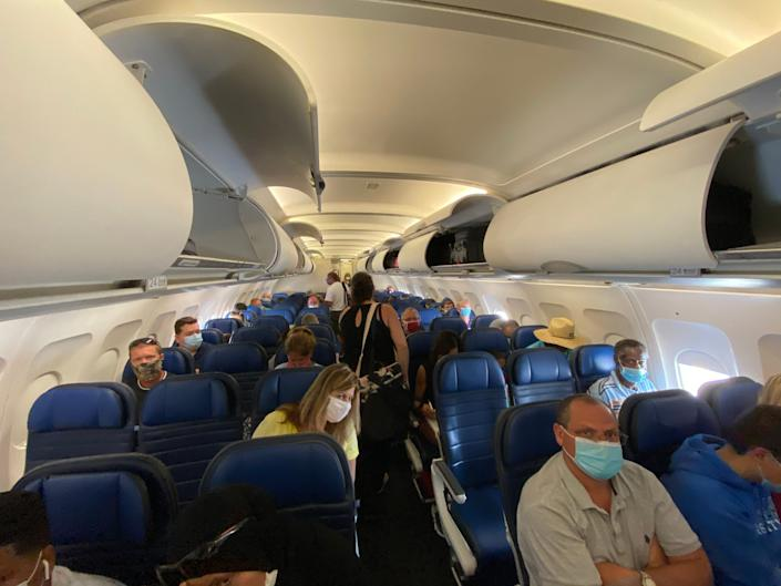 Flying on United Airlines during the pandemic.