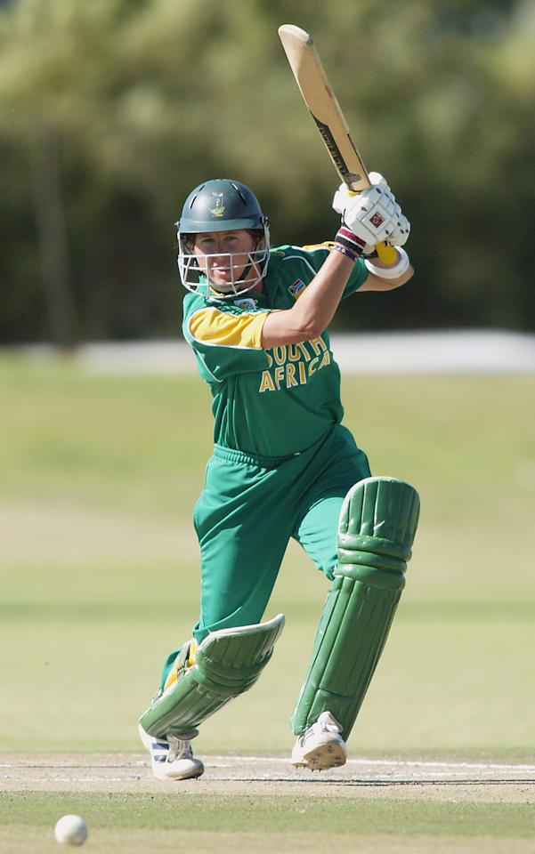 PRETORIA, SOUTH AFRICA - MARCH 28:  (TOUCHLINE IMAGES ARE AVAILABLE TO CLIENTS IN THE UK, USA AND AUSTRALIA ONLY)  Johmari Logtenberg of South Africa in action during the IWCC Women's World Cup match between South Africa and Australia at the L.C. Oval on March 28, 2005 in Pretoria, South Africa. (Photo by Touchline/Getty Images)