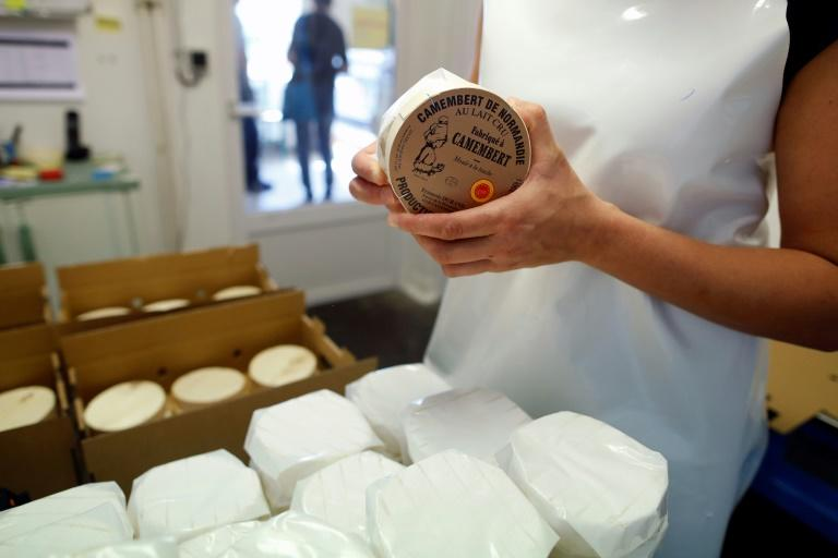 """French dairy executives have rejected a proposal to allow pasteurised versions to use the coveted """"Camembert of Normandy"""" label"""