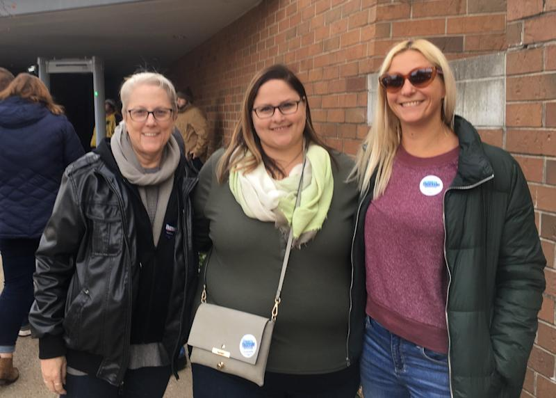 Janet Shoeman (left) and her daughters, Anna Shoeman and Jessica Borrer, attend a Bernie Sanders campaign rally in Des Moines on Nov. 9, 2019. (Photo: S.V. Date/HuffPost)