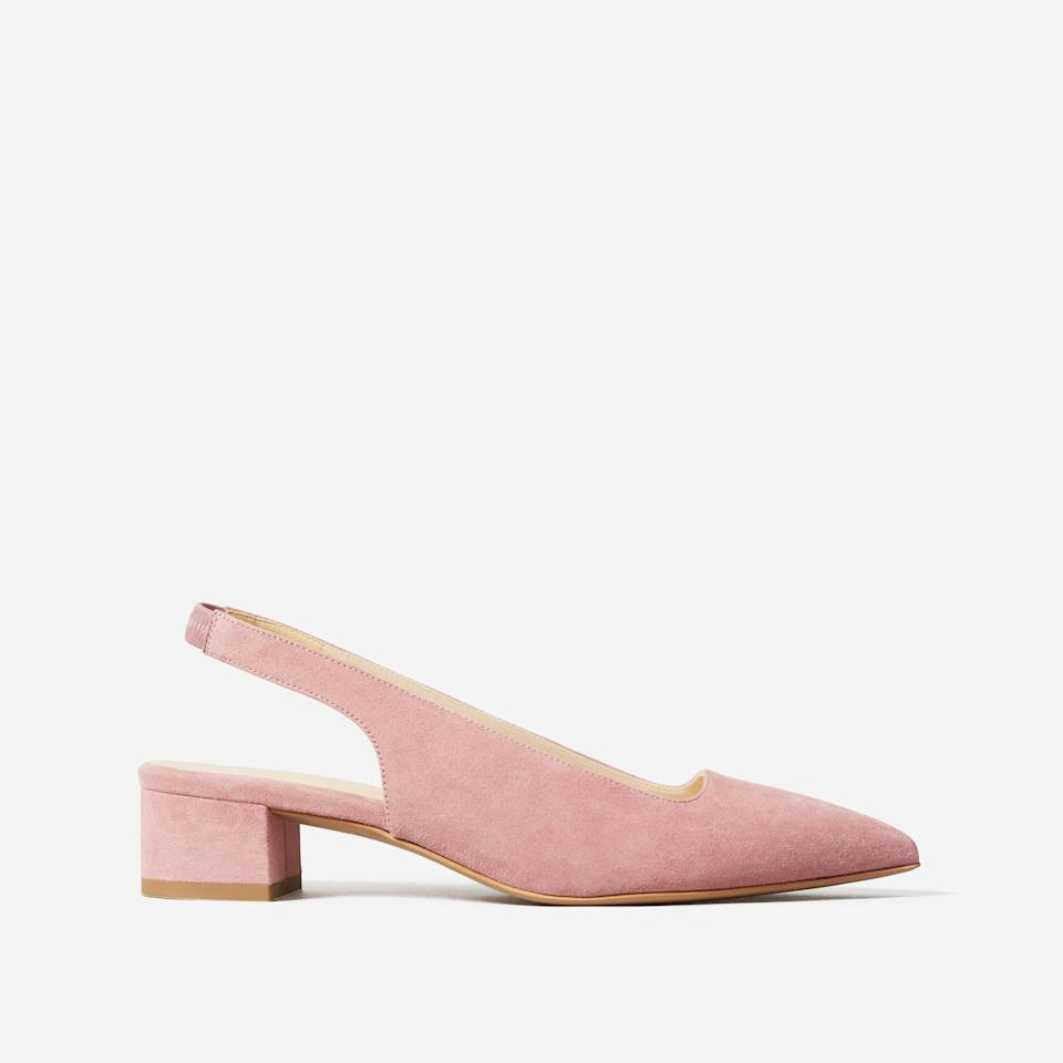 """<p><strong>everlane</strong></p><p>everlane.com</p><p><strong>$156.00</strong></p><p><a href=""""https://go.redirectingat.com?id=74968X1596630&url=https%3A%2F%2Fwww.everlane.com%2Fproducts%2Fwomens-editor-slingback-heel-rose-pink-suede&sref=https%3A%2F%2Fwww.cosmopolitan.com%2Fstyle-beauty%2Ffashion%2Fg32868849%2Fbest-teacher-gifts%2F"""" rel=""""nofollow noopener"""" target=""""_blank"""" data-ylk=""""slk:Shop Now"""" class=""""link rapid-noclick-resp"""">Shop Now</a></p><p>She won't have to worry about her toes hurting when she slides these pretty babies on her feet. The chunky heel adds a little height without making the shoes hard to walk in.</p>"""