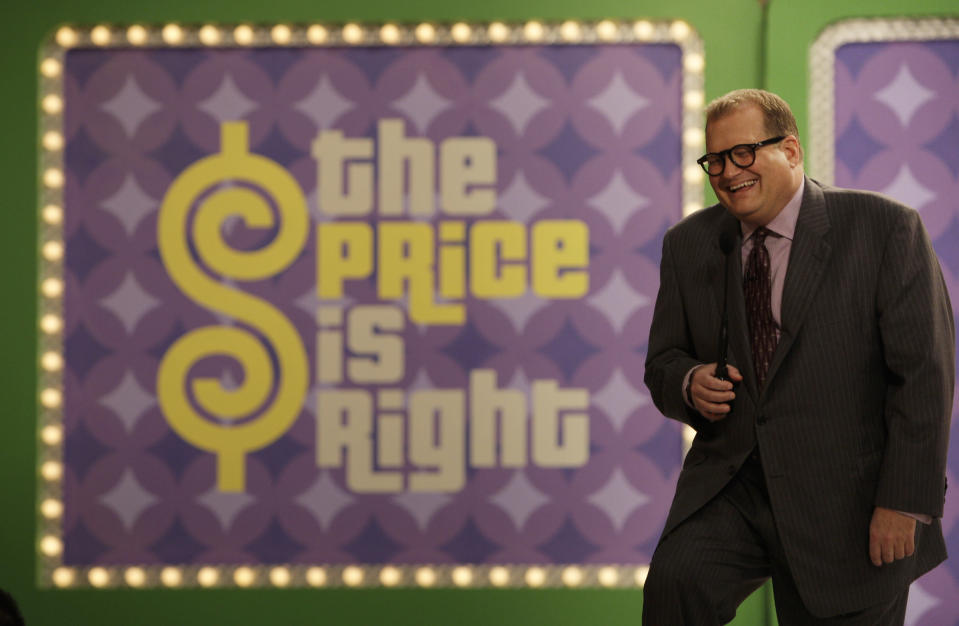 Drew Carey talking to the audience during a filming break on 'The Price is Right' on Oct. 4, 2007. (AP Photo/Kevork Djansezian)