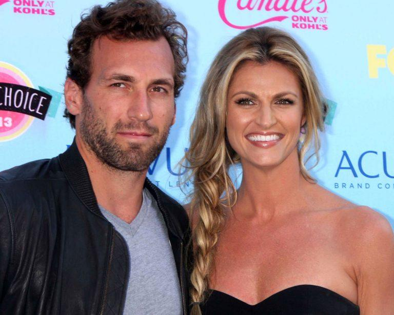 Erin Andrews Marries Nhl Player Jarret Stoll At Sunset In Montana