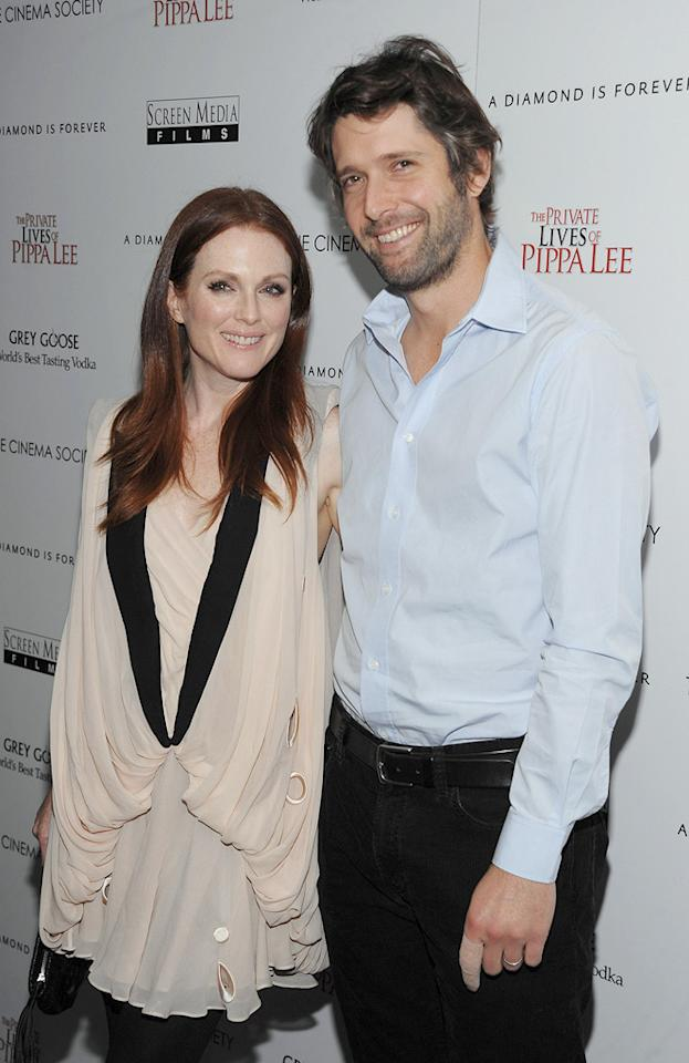 "<a href=""http://movies.yahoo.com/movie/contributor/1800020233"">Julianne Moore</a> and <a href=""http://movies.yahoo.com/movie/contributor/1800295911"">Bart Freundlich</a> at the New York City Cinema Society screening of <a href=""http://movies.yahoo.com/movie/1810025242/info"">The Private Lives of Pippa Lee</a> - 11/15/2009"