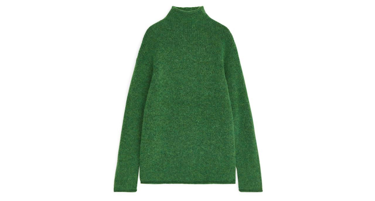 "Crafted from a blend of alpaca, RWS merino wool and recycled polyester, this slightly oversized jumper is ridiculously soft and made in one of this season's must-have colours.<strong> </strong><a href=""https://fave.co/2URUx06""><strong>Shop now.</strong></a>"