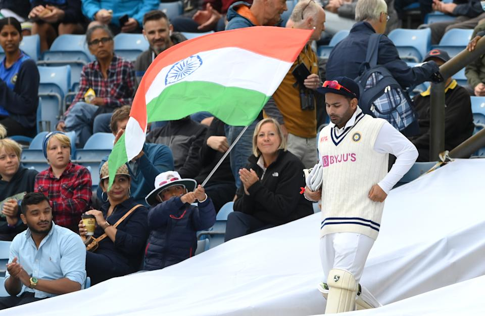 India wicketkeeper Rishabh Pant takes to the field ahead of day two of the Third Test Match between England and India at Emerald Headingley Stadium on August 26, 2021 in Leeds, England.