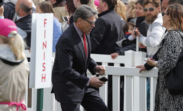 <p>U.S. Energy Secretary Rick Perry arrives at the annual White House Easter Egg Roll on the South Lawn of the White House in Washington, U.S., April 2, 2018. (Photo: Carlos Barria/Reuters) </p>
