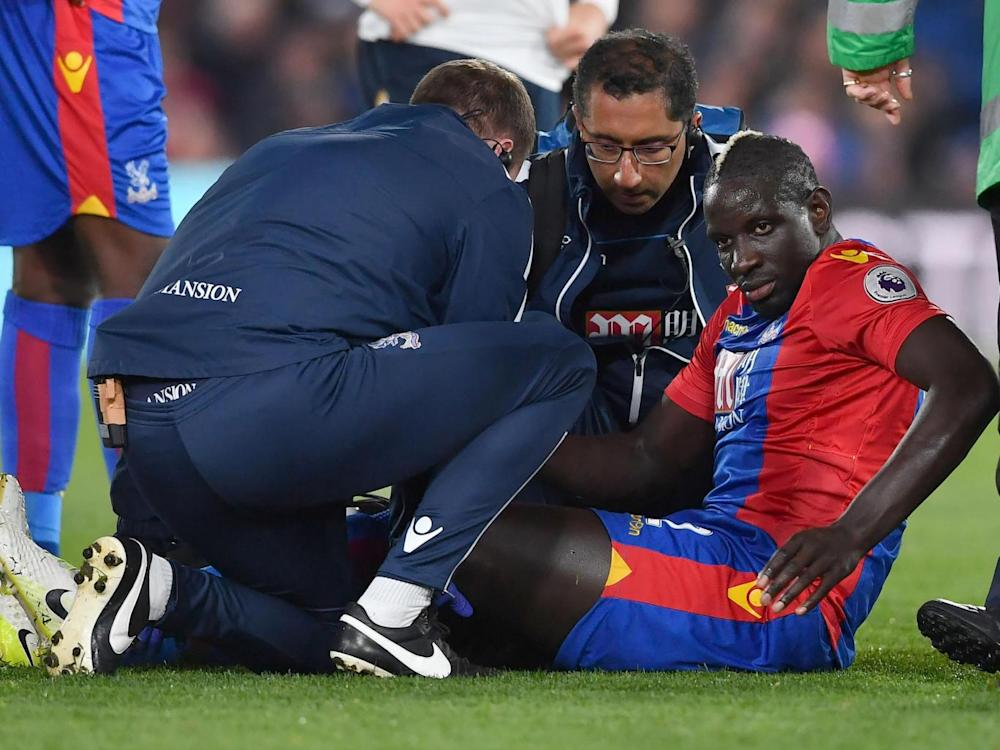 Sakho suffered a nasty-looking injury in the second half (Getty)