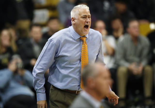 Oregon State head coach Wayne Tinkle directs his team against Colorado in the first half of an NCAA college basketball game Thursday, Jan. 31, 2019, in Boulder, Colo. (AP Photo/David Zalubowski)