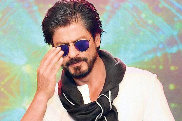 <p>Shah Rukh doesn't like taking his clothes off in front of people. Maybe, that is the reason why you will not find him taking a swim in his own swimming pool at Mannat. </p>