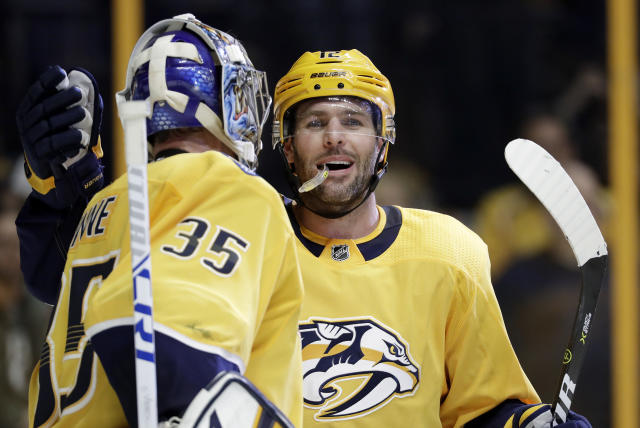 Predators stretch record to 10 straight wins, beat Ducks 4-2