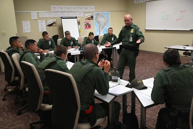 <p>New U.S. Border Patrol agents attend a Spanish language class at the Border Patrol Academy on August 2, 2017 in Artesia, N.M. (Photo: John Moore/Getty Images) </p>