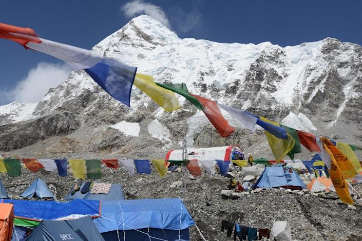 The majority of rescues in the Himalayas are related to 'acute mountain sickness' caused by low oxygen levels at high altitude. The symptoms are vague -- headaches, nausea, loss of appetite -- and the only treatment is to descend (AFP Photo/PRAKASH MATHEMA)