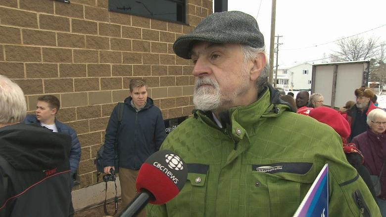 Private direction of New Brunswick health care brings out protesters