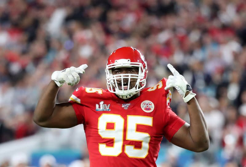Chiefs DT Jones agrees to four-year deal - report