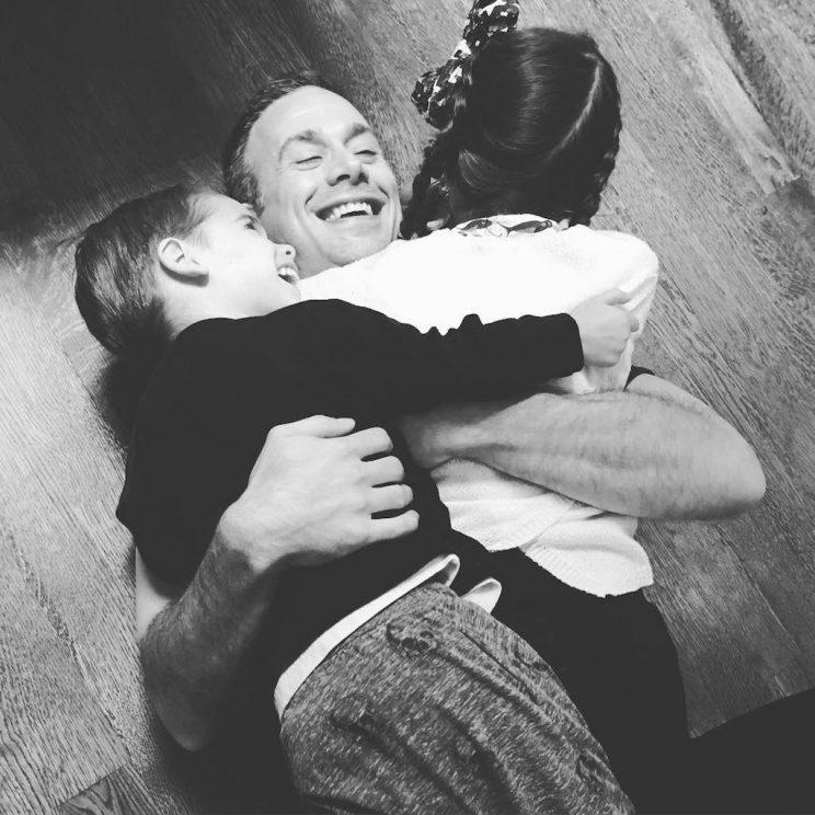 Freddie Prinze Jr. shares a hug with his son and daughter. (Photo: Sarah Michelle Gellar via Instagram)